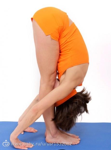 Сядьте на пол, ноги разведите как можно шире, руками упритесь в пол, кисти рук - на одной линии с плечами (а) наклонитесь вперед и постарайтесь положить предплечья на пол