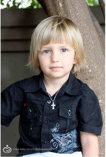 Фото причесок на длинный волос для мальчиков