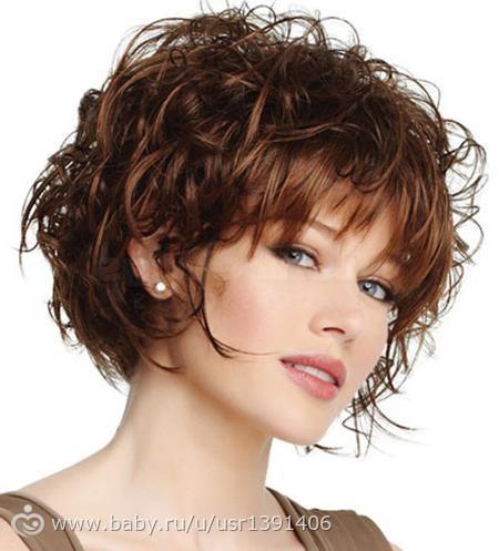 Прическа на короткие волнистые волосы