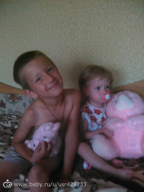 Завтра нам уже 16 месяцев или 1 годик и 4 месяца)))