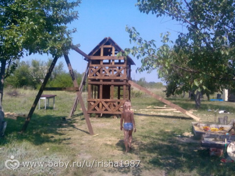 Построил муж на домик:-)